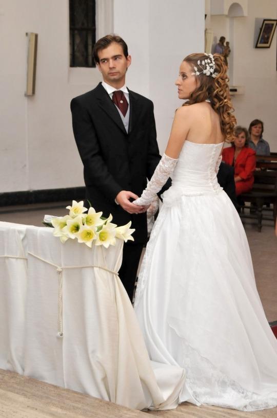 Vestido de novia en corset y falda