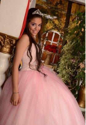 Vestido de 15 Años corset y falda mil organzas